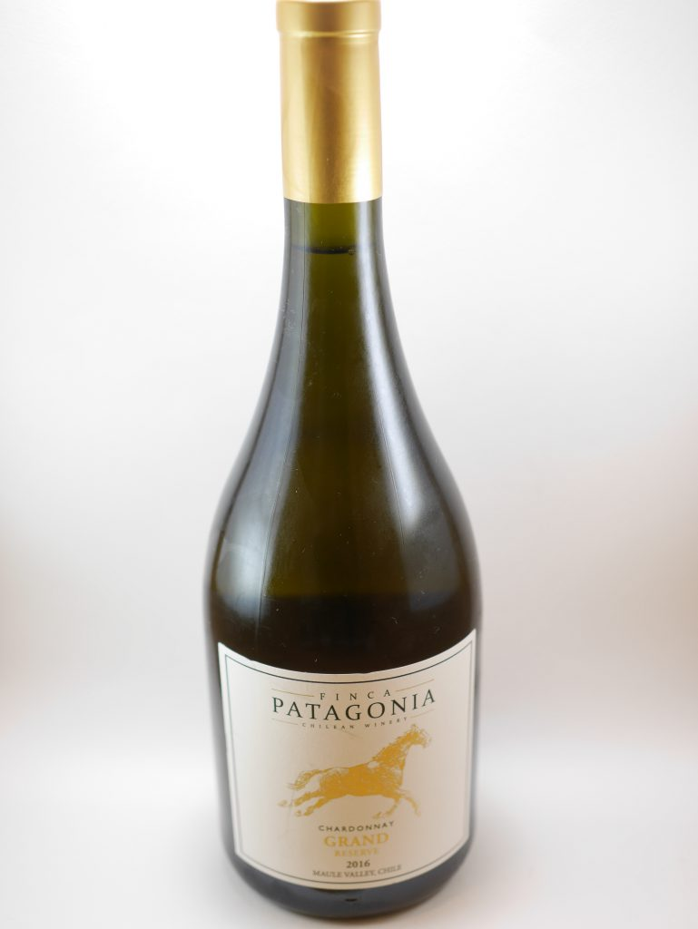 「FINCA PATAGONIA」の「CHARDONNAY GRAND RESERVE」のボトル全景