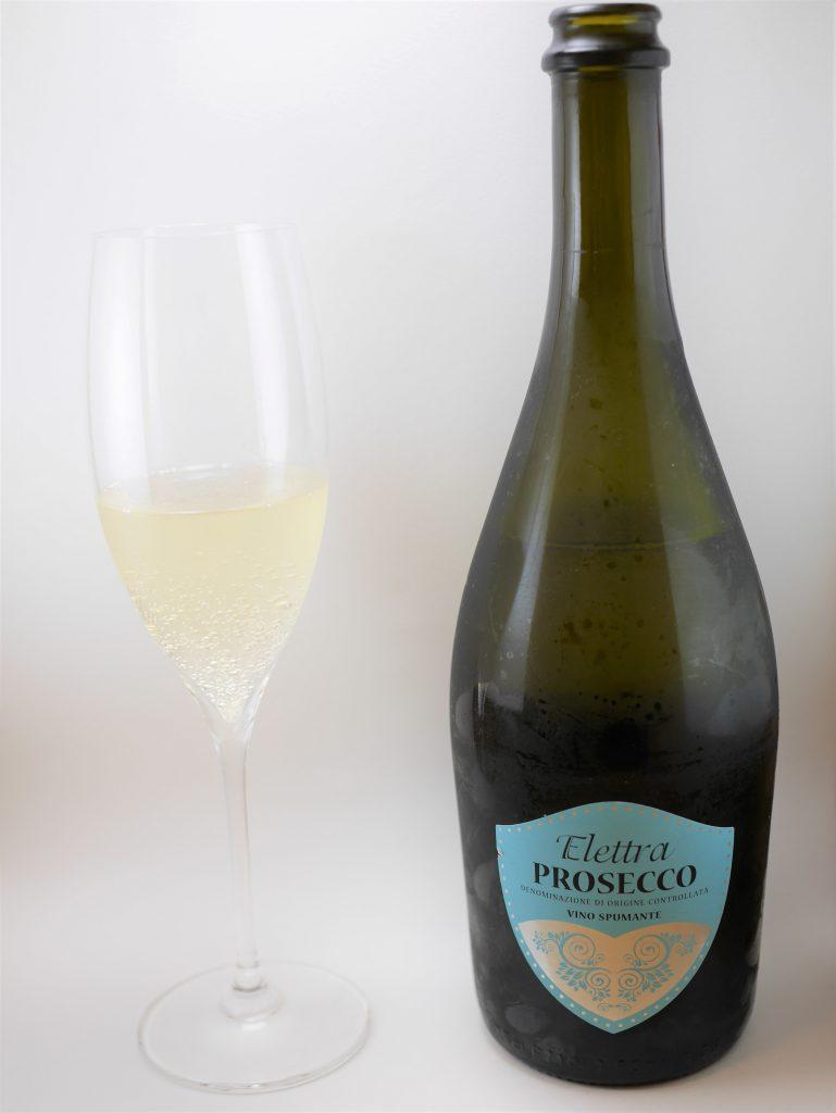 BOTTER PROSECCO Elettraを注いだグラスとボトル正面
